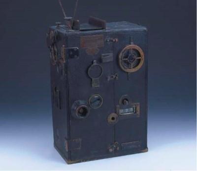 Pathé cinematographic camera n