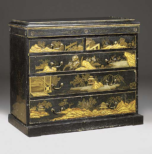 A JAPANNED CHINOISERIE DECORAT