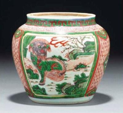 A Chinese wucai jar, 17th cent