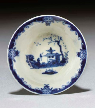 A Worcester blue and white cir
