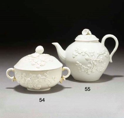 A Chantilly white two-handled
