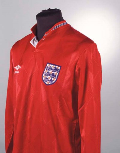 A RED ENGLAND INTERNATIONAL SH