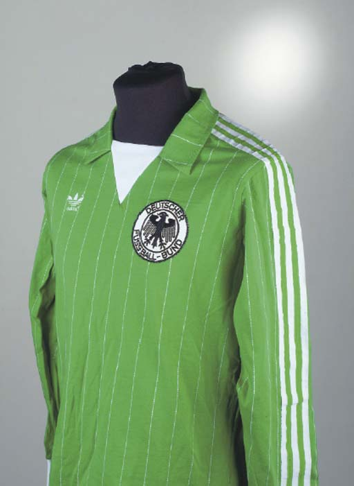 A GREEN AND WHITE GERMANY INTE