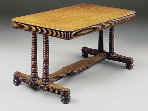 A WILLIAM IV OAK CENTRE TABLE