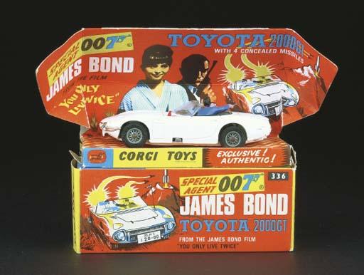 A Corgi white 336 James Bond T