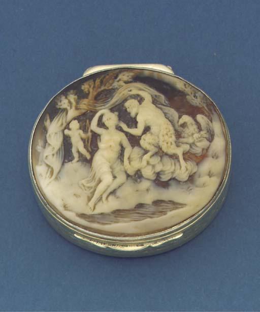 A George III silver-gilt vinia