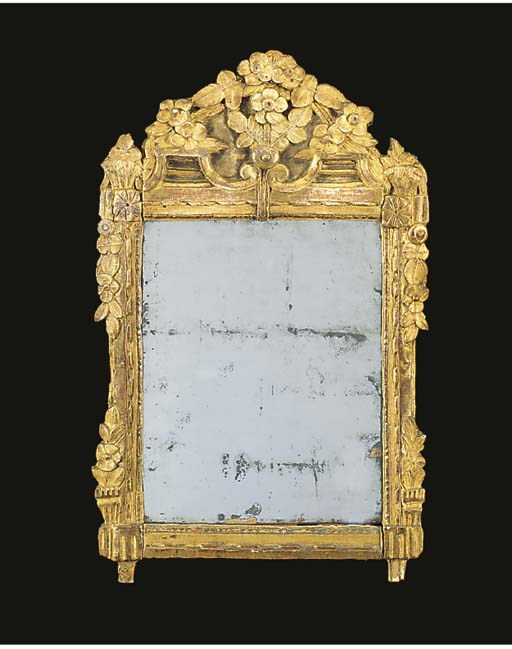 A DIRECTOIRE CARVED GILTWOOD M