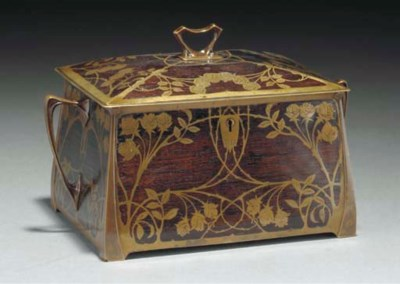 AN INLAID BRASS AND WOOD CASKE