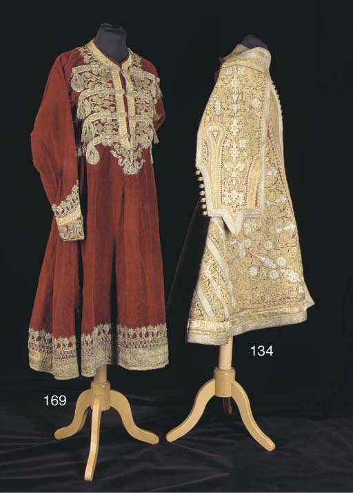 A wedding robe of crimson plus