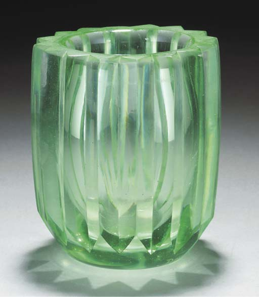 A WHEEL-CUT GLASS VASE