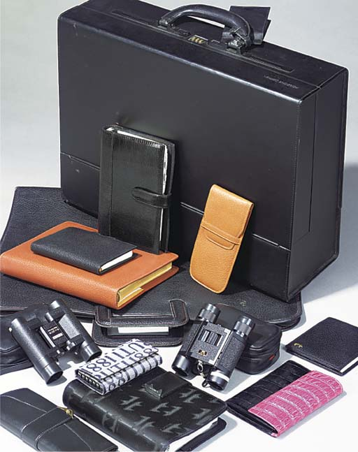 A quantity of leather goods an