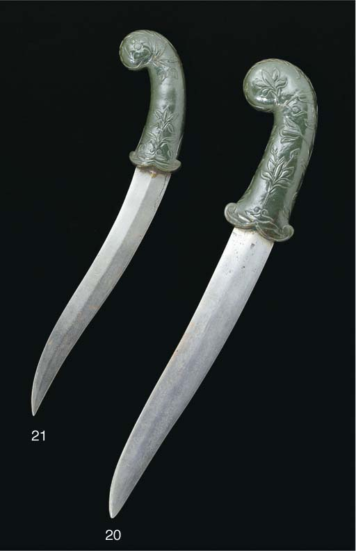 A Mughal spinach jade handled