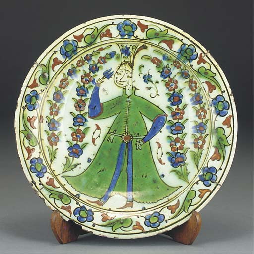An Ottoman Iznik glazed potter