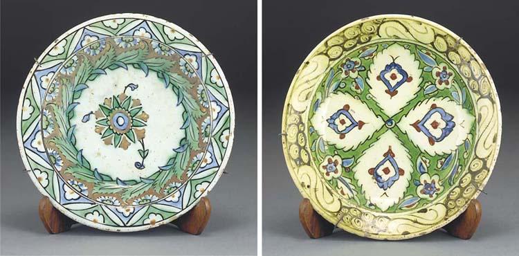 Two Ottoman Iznik glazed potte