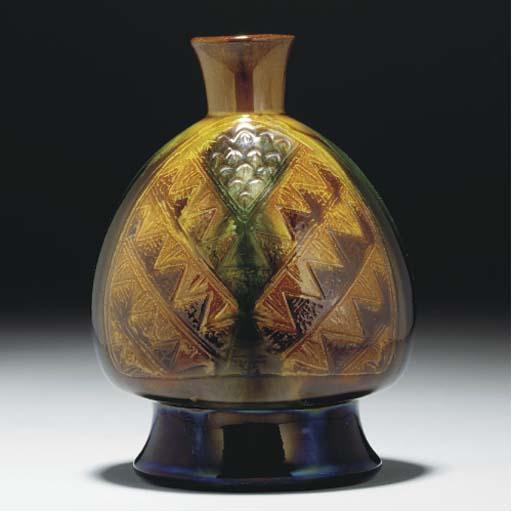 A Linthorpe Vase