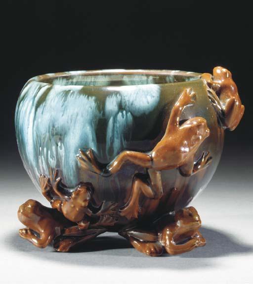 An Ault Frog Vase