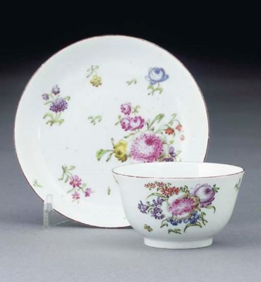 A Longton Hall teabowl and sau