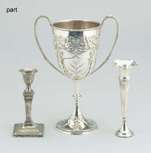A MIXED LOT OF SILVER