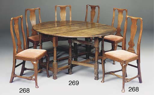 A LARGE MAHOGANY GATELEG TABLE