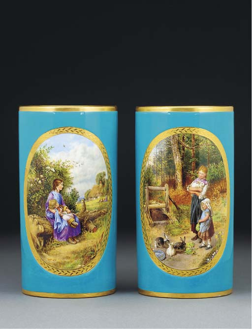A pair of Minton cylindrical v