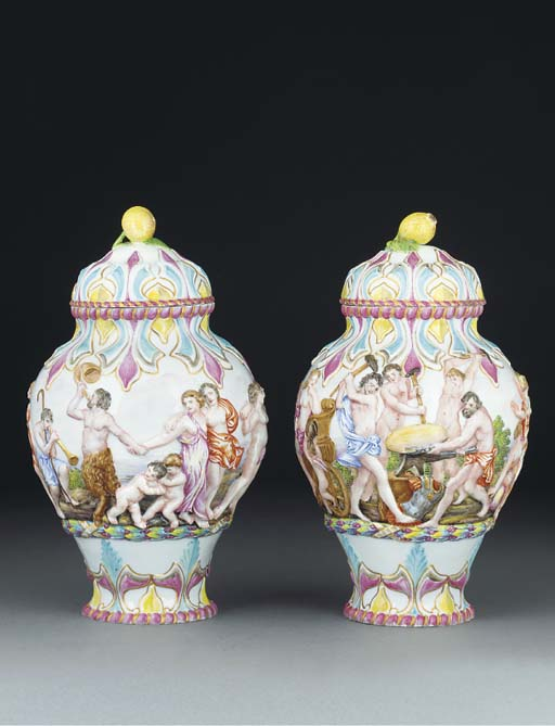 A pair of Naples-style vases a