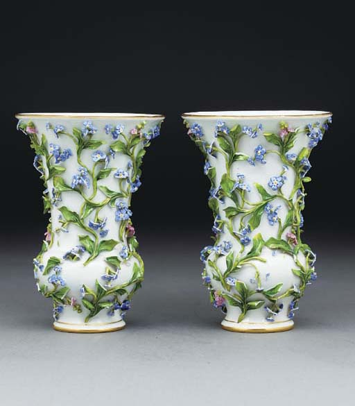 A pair of Meissen flower-encru
