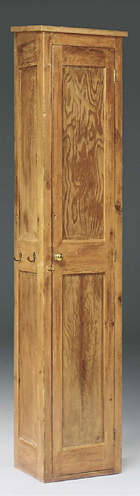 A LATE VICTORIAN PITCH PINE NA