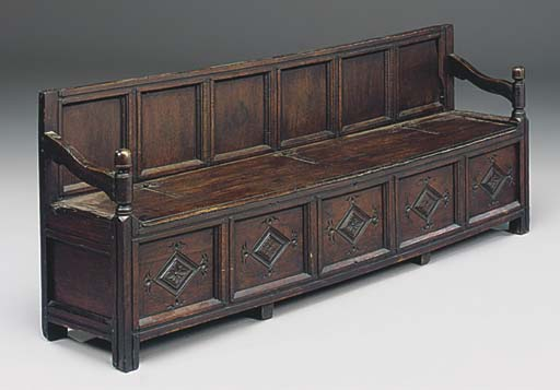 A NORTH COUNTRY OAK SETTLE