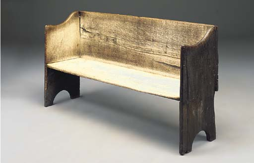 AN ENGLISH OAK SETTLE