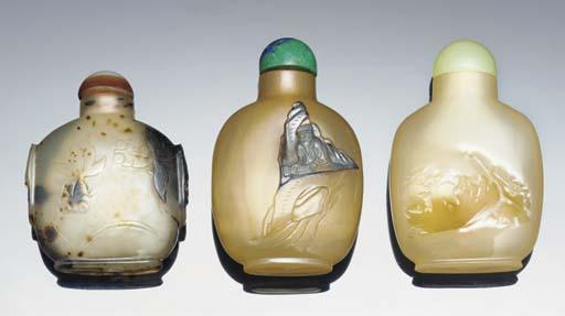 Three agate snuff bottles, 19t