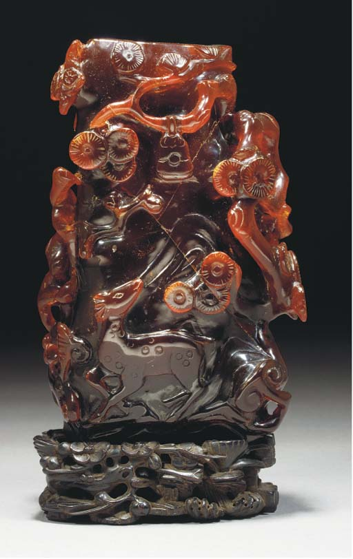 An amber carved vase, 18/19th