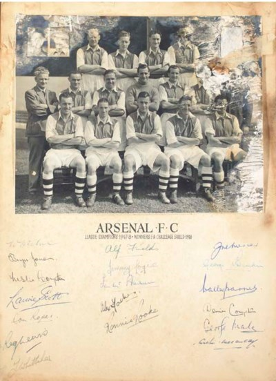 A BLACK AND WHITE ARSENAL F.C.