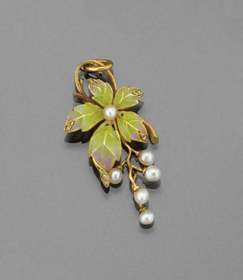 An Art Nouveau gold, pearl and