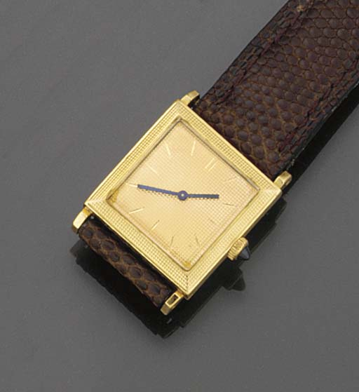 A lady's wristwatch by Boucher