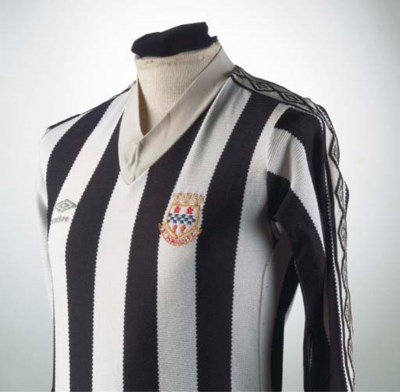 A BLACK AND WHITE ST. MIRREN S