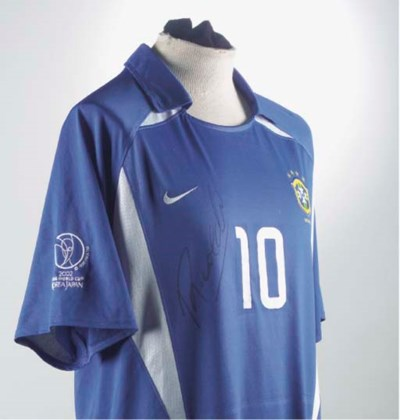 A BLUE AND WHITE BRAZIL INTERN