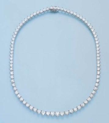 A DIAMOND RIVIERE NECKLACE