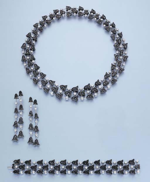 A BLACK DIAMOND AND DIAMOND 'B