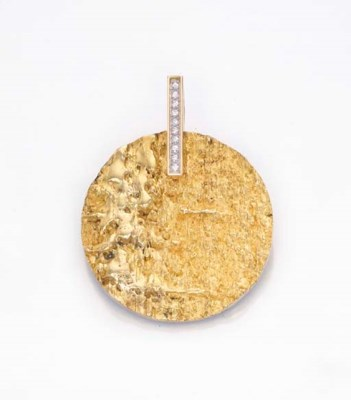 A GOLD AND DIAMOND PENDANT, BY