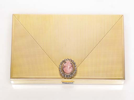 A GOLD VANITY CASE, BY BROUDAR