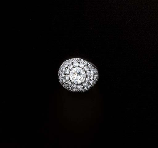 A DIAMOND COCKTAIL RING, BY MA