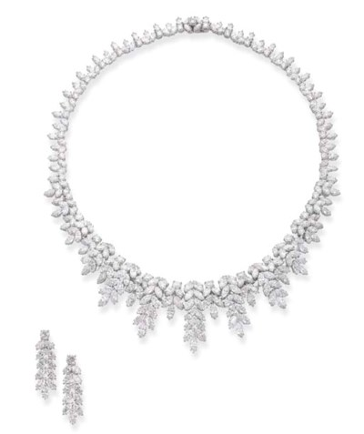A DIAMOND NECKLACE AND EARRING