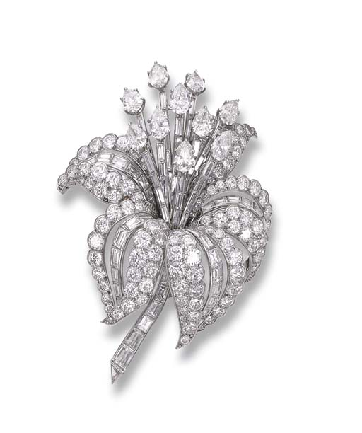 A DIAMOND FLORAL BROOCH, BY CARTIER