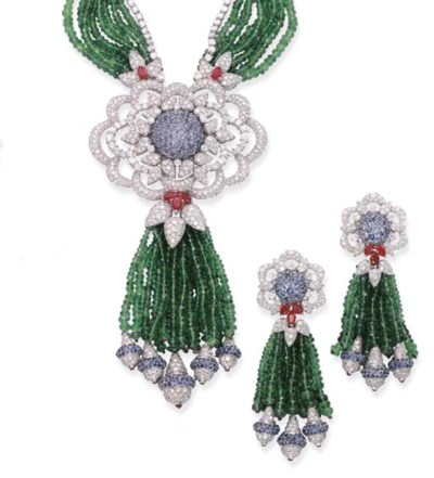 A GEM-SET NECKLACE AND PAIR OF