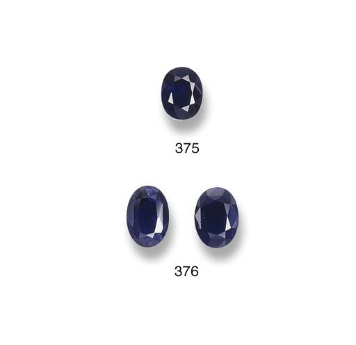 A PAIR OF UNMOUNTED SAPPHIRES