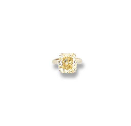 A FANCY YELLOW DIAMOND SINGLE-