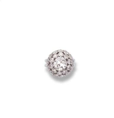 A DIAMOND BOULE RING