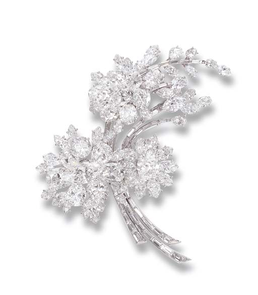 AN ELEGANT  DIAMOND FLORAL SPR