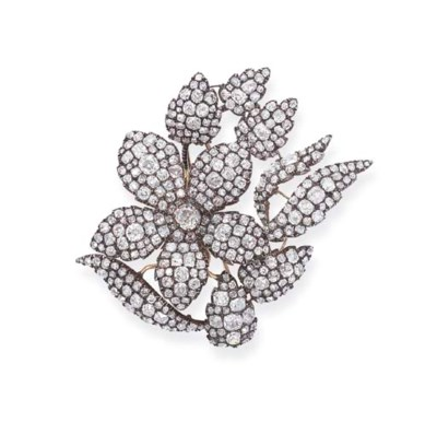 AN ANTIQUE DIAMOND FLORAL BROO