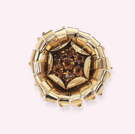 A GOLD AND CITRINE FLORAL BROO